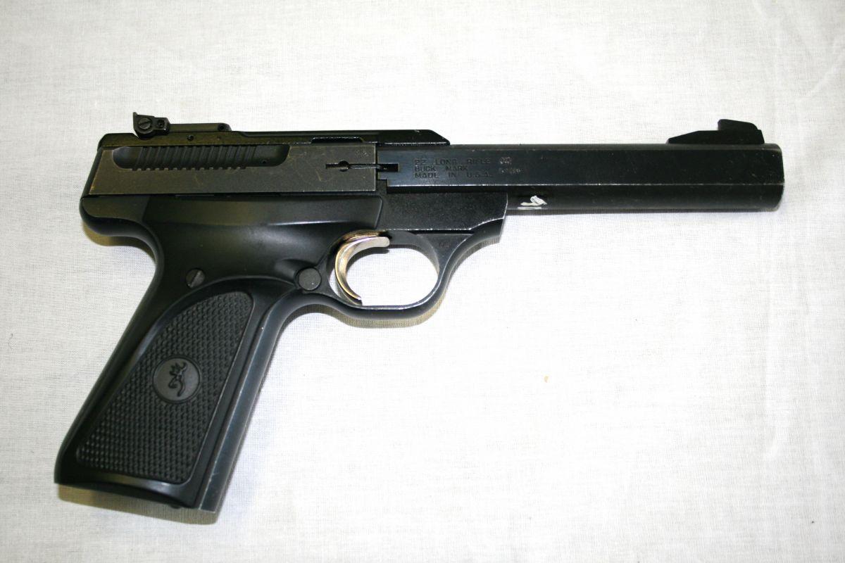 9 zbraní 67 nábojů